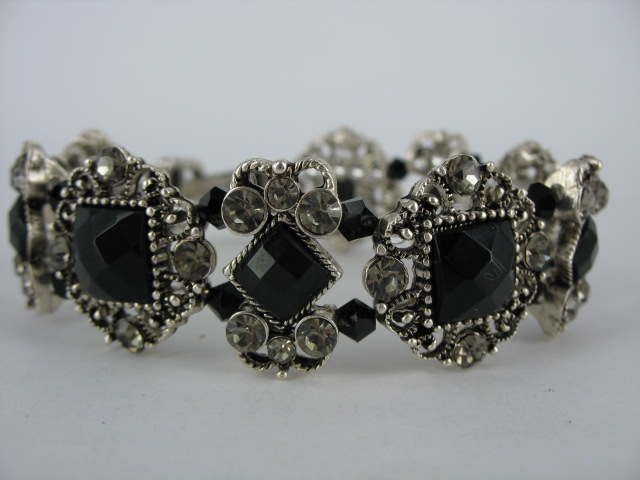 Antique Silver Bracelet M4001
